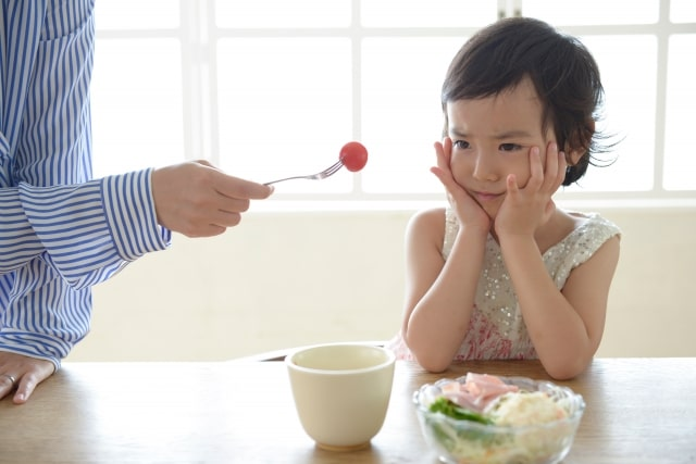どう工夫しても食べない子供