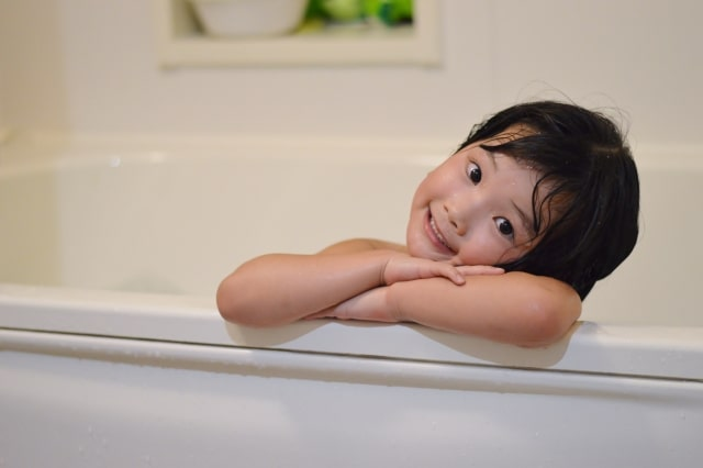 兄弟児のお風呂の入れ方